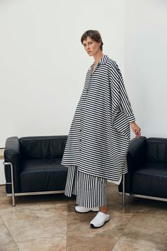 Rosetta Getty Resort 2020 Collection - Vogue The complete Rosetta Getty Resort 2020 fashion show now on Vogue Runway. Vogue Fashion, Fashion 2020, Daily Fashion, Hijab Fashion, Fashion Outfits, Fashion Tag, Vogue Paris, Backstage, Rosetta Getty