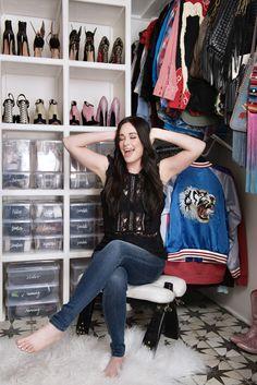 Kacey Musgraves' closet - click through to see more amazing celebrity closet inspiration! Celebrity Closets, Celebrity Houses, Celebrity Style, Pink Couch, Closet Tour, Shoe Closet, The Home Edit, Kacey Musgraves, Mandy Moore