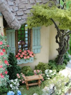 Never Enough Time: Fairy Cottage Quarter Scale Miniature Plants, Miniature Rooms, Miniature Fairy Gardens, Miniature Houses, Miniature Furniture, Village Miniature, Cottage In The Woods, Fairy Houses, Small World