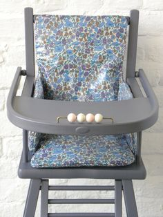 couture housses de chaises hautes on pinterest liberty high chairs and bebe. Black Bedroom Furniture Sets. Home Design Ideas