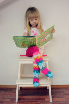 Fabulous knit socks ♥ @Ceci Ramirez, you need to make these and then teach me how to do it!