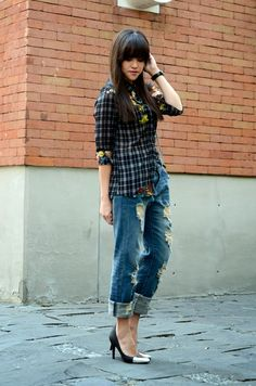 Ripped jeans. | MODA CAPITAL