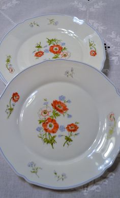 RESERVED Arcopal Dinner Plate White Blue Red by PanchosPorch & Arcopal France three (3) Tulip dinner plates 10.75\