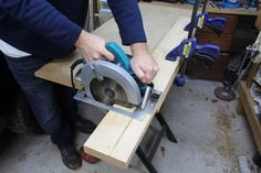 Handling Circular Saw Kickback Beginner Woodworking Projects, Woodworking Techniques, Diy Woodworking, Circular Saw, Wood Working For Beginners, Chairs For Sale, Diy Projects, Handle, Yoga Challenge