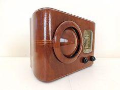 VINTAGE-OLD-EMERSON-CIRCLE-GRILLE-MACHINE-AGE-ART-DECO-RESTORED-WORKING-RADIO