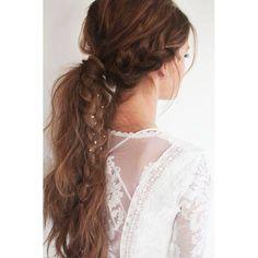 Την άνοιξη ανανεώνουμε και το look στα μαλλιά μας! Δείτε τα trends της σεζόν εδώ: http://www.missbloom.gr/beauty/stin-trixa/26456/articles/55493/artimg/ta-5-eykola-xtenismata-tis-anoiksis/article.aspx#gallery_an