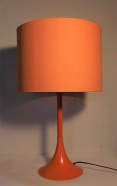 Nu in de #Catawiki veilingen: Onbekende designer - Oranje tafellamp