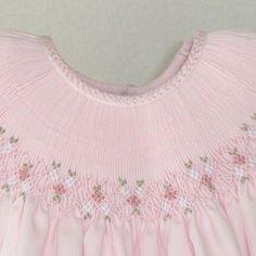 back smocking. Smocked Baby Clothes, Girls Smocked Dresses, Little Girl Dresses, Smocking Plates, Smocking Patterns, Sewing Patterns, Punto Smok, Smocking Tutorial, Baby Dress Design