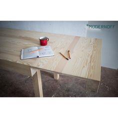 Na co dzień zajmuje mało miejsca, gdy potrzebujesz z łatwością go rozłożysz. Rozkładany stół to mebel, który powinien znaleźć się w każdym domu. Jaki Wam się marzy?