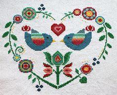 Cruz puntada, bordado de corazón, dechado de pájaros, arte popular  Tela: Aida 14 blanca 137w X h 119 puntos Tamaño: cuenta 14, h 24.86w X 21.59 cm