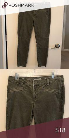 LOFT Skinny Corduroy Pants: Size 8 EUC.  Army green color.  Corduroy. LOFT Pants Skinny