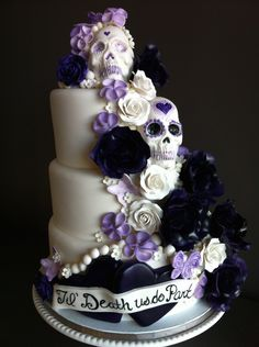For the couple with a sense of humor... Day of the dead wedding cake – Cake Creations