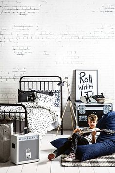kids' bedroom for a wannabe rock star