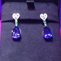 Amazing Tansanite earrings #maching #earrings #tansanite #diamonds #diamond #jewelrygram #pickoftheday #instalove #womensstyle #womenwear #handmadejewelry #handmade #jewellery #jewelry #success #women #onlythebest #amazing #stones #justforyou #gregorysjoaillier #kudamm #madeinberlin #special #one