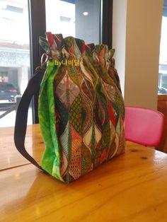 버킷백 만들어보자구요☆ 조리개파우치만드는법☆가방사이즈까지~ : 네이버 블로그 Diaper Bag, Sewing Projects, Backpacks, Quilts, Bags, Chairs, Handbags, Diaper Bags, Quilt Sets