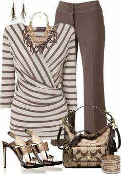 Women's fall fashion #clothing. Foto
