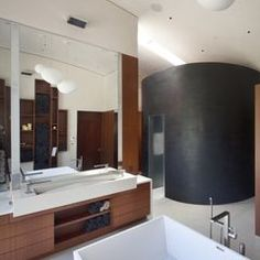 modern bathroom by WA design