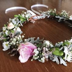 A close up of the fresh flower crown for Courtney's wedding yesterday // #nesst #fresh #flowercrown #wedding // x x