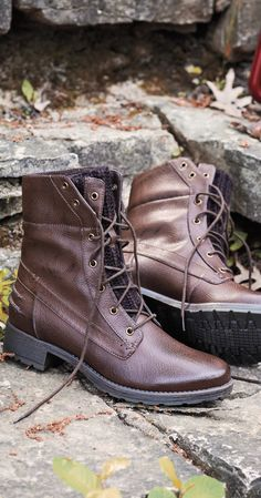 Casual lace-up boots from Ruff Hewn that can accompany you for a hike.
