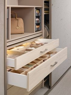 Fabulous Super organised drawers in wardrobe for sectioning small pieces and keeping things in order Pure