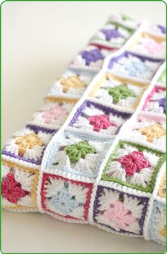 Crochet blanket. Pattern in Cute & Easy Crochet by Nicki Trench