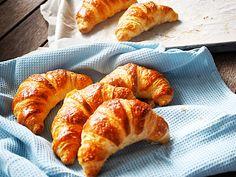 "Search Results for ""Cornetti"" – Silvia Colloca Delicious Cake Recipes, Yummy Cakes, Sweet Breakfast, Breakfast Recipes, Italy Food, Croissants, Family Meals, Family Recipes, Hot Dog Buns"