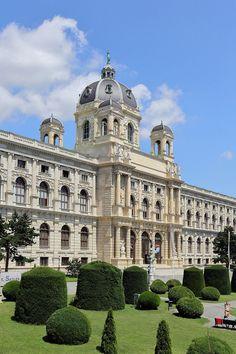 Musée d'histoire naturelle de Vienne Naturhistorisches Museum Wien, Austria, World Pictures, Architecture, Beautiful Places, Places To Visit, Louvre, Mansions, City