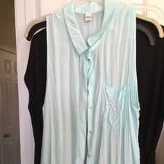Sleeveless top Aqua XL Sleeveless top Aqua XL Old Navy Tops Blouses