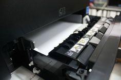 レーザーを使用して紙に印刷された文字を消すという装置。プリンターならぬ「アンプリンター」