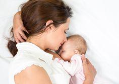 Karmienie piersią jest marzeniem wielu młodych mam. Nie zawsze jednak droga ta usłana jest różami. Jakie są najczęstsze problemy podczas pierwszych tygodni, znajdziecie w artykule http://pediatria.mp.pl/karmienie-piersia/64298,karmienie-piersia-najczestsze-problemy