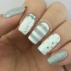 Silver glitter and stripe nailart #nailart #nails #white #silver #stripe #glitter