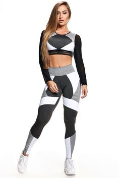 LEGGING ACTIVE STRAPPYS - BRANCO - Squat proof high waist perfect for any workout, breathable anti bacterial, drip dry high quality. Gym Leggings, Sports Leggings, Cool Leggings, Girls Leggings, Workout Leggings, Workout Attire, Workout Wear, Womens Workout Outfits, Sport Outfits