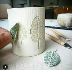 pottery idea with leaves idea #ArtAndCraftThoughts