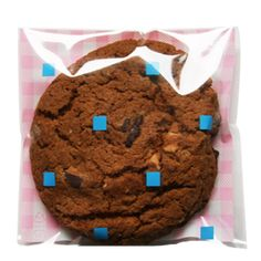 Pink check & blue square printed cello bags for cookies. Adhesive bags. Cookie wrapping ideas.