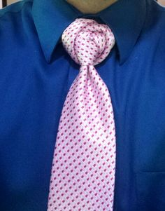 The Buraimi - Like the pink patterned tie but really do NOT like the knot !