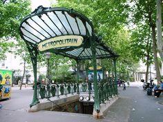 Station de métro des Abbesses (ligne 12)