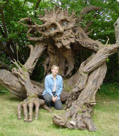 Kim Graham and a group of volunteers finished a very large Paper Mache sculpture of a wonderful, benign Troll. I love the idea of a benign troll. Paper Mache Tree, Garden Sculpture, Lion Sculpture, Concrete Sculpture, Metal Sculptures, Abstract Sculpture, Bronze Sculpture, Outdoor Sculpture, Wow Art