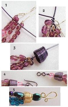 Como fazer o acabamento nos trabalhos em crochet de arame- acabamento de um colar de crochê de arame e miçangas - site Mariana Espindola Wire Jewelry, Beaded Jewelry, Jewelry Bracelets, Jewlery, Tutorial Colar, Wire Tutorials, Beading Patterns Free, Wire Crafts, How To Make Beads