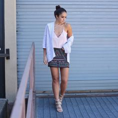 Blogger Sarah Lindner of The House of Sequins wearing express jacquard mini skirt. Your Life, Your Dress Code