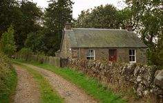 Hillview Cottage is a former shepherd's cottage belonging to Thorn Farm in Alyth, Perthsire, Scotland