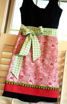 Lilly Christmas Apron :) #lillyholiday