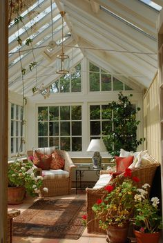 Browse pictures of sunroom designs and also decor. Discover ideas for your 4 periods area addition, consisting of motivation for sunroom decorating and formats. Outdoor Rooms, Outdoor Living, Indoor Outdoor, Outdoor Greenhouse, Backyard Gazebo, Greenhouse Ideas, Sunroom Furniture, Indoor Wicker Furniture, Living Furniture