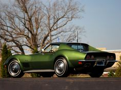 Sexiest body ever, the Stingray and it's green.