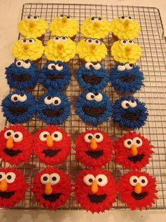 Sesame Street Cupcakes by bridgett