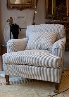 Striped Couch, Farrow And Ball Living Room, Style Anglais, Snug Room, Blue Christmas Decor, French Sofa, Upholstered Chairs, Soft Furnishings, Apartment Living