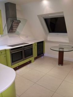 End of Tenancy Cleaning Service Cleaning Service, Clean House, Flat Screen, Kitchen Appliances, Home, Blood Plasma, Diy Kitchen Appliances, Home Appliances, Ad Home