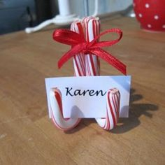 Candy Cane Place Card Holder {Holiday Entertaining} - Tip Junkie