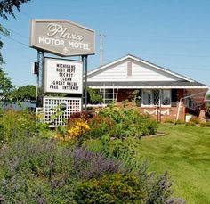 Welcome to the Plaza Motor Motel with an intimate-sized location in Sault Ste. Marie, Michigan
