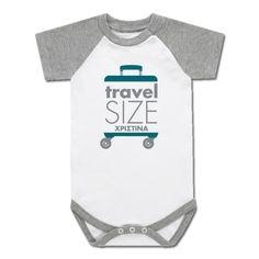 Προσωποποιημένο Κοντομάνικο Δίχρωμο Φορμάκι, Travel Size με Μήνυμα ή Όνομα Παιδιού, είναι ένα ξεχωριστό δώρο για κάθε αγοράκι ή κοριτσάκι 6μηνών, 9μηνών, 12μηνών! Γράψτε το Μήνυμα που θέλετε σε Κοντομάνικο Δίχρωμο Φορμάκι, Travel Size με Μήνυμα ή Όνομα Παιδιού, για αγοράκι 3μηνών, 6μηνών, ή κοριτσάκι, είναι ένα πρωτότυπο και οικονομικό δώρο που μπορεί να κάνει ο θείος και η θεία στο ανιψάκι τους ή ο παππούς και η γιαγιά στο εγγονάκι τους!