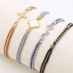 レシピNo.893 ブラジル製ワックスコードのストライプブレスレット Bracelet Knots, Macrame Bracelets, Handmade Bracelets, Bangle Bracelets, Diy Jewelry, Beaded Jewelry, Jewelry Making, Handmade Accessories, Jewelry Accessories